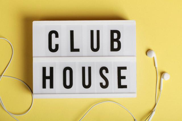 Le Clubhouse s'ouvre enfin à tous